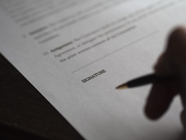 ホームページ制作で契約書